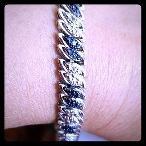 Jewelry - 0.10 Carat Black & White Tennis Bracelet Marquise